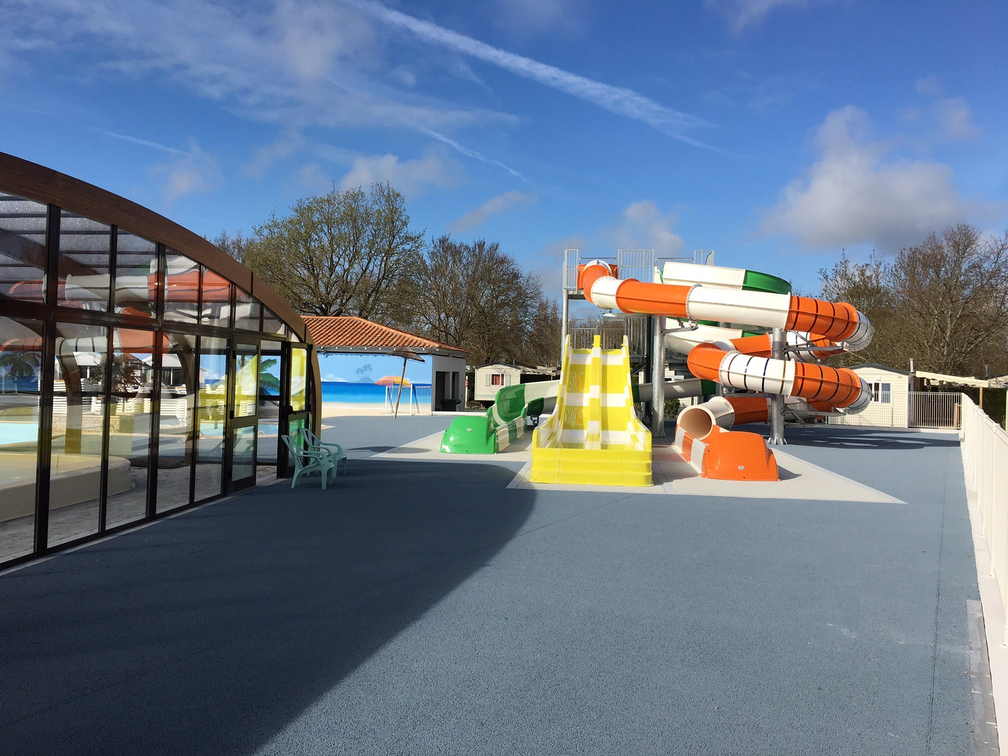 Camping le d 39 ol ron avec piscine camping ol ron loisirs for Camping poitou charente piscine